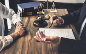 What Does a Personal Injury Lawyer Do and 7 Benefits of Hiring One